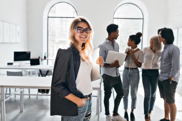 Fluência no trabalho: quais são os 3 idiomas mais procurados pelo mercado